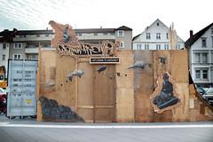 . (.parsprofoto*) Tags: urban art illustration grey graffiti stencil young spraypaint aerosol bielefeld kesselbrink theyoung abindiemitte updownnaround