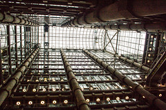 Atrium in the Lloyds Building, London (james_hammond) Tags: light house building open natural columns exoskeleton atrium openhouse lloyds bacelona