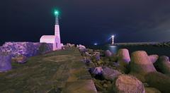 Les deux phares (Amanclos) Tags: longexposure lighthouse france night aude nuit phare longueexposition portlanouvelle efs1022 canoneos700d