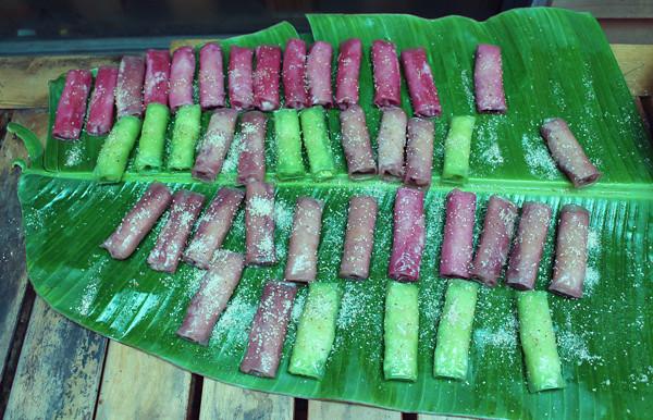 4Màu sắc bắt mắt của các cuốn bánh ướt ngọt