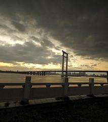 Jinjiang bridge sunset.(_B013904-6) (Minaol) Tags: china fujian quanzhou jinjiang bridge sunset 泉州 刺桐古城 晋江大桥 霞光 晚霞