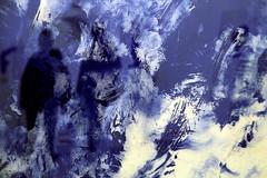 En Klein au bleu (Emmanuelle2Aime2Ailes) Tags: reflet silhouettes tableau bleu ikb yvesklein musée mamac nice