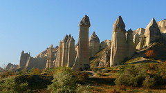 The Erecting Stones Turkish Tour (Eye of Brice Retailleau) Tags: turkey cappadoce ciel countryside earth formation landscape nature outdoor panorama paysage perspective pillar rock rural scenery scenic sky vista extérieur colline flanc de montagne