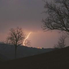 Rossena (cristianobartoli) Tags: fulmine temporale colline reggioemilia rossena