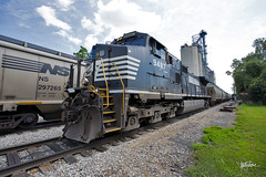 A Wide Look at Grain on the IN (Troy Strane) Tags: indiana northeastern reading michigan andersons graintrain dedicatedpower ns norfolksouthern ge c409w