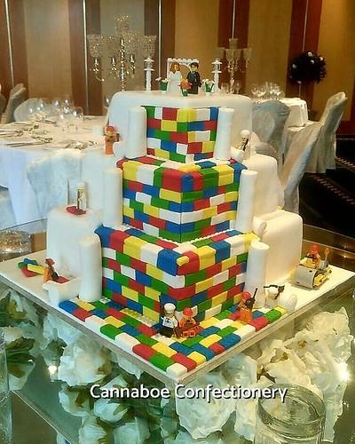 Lego Wedding Altar: Wedding Cakes
