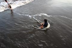 (Johanes Tarigan) Tags: canon eos 70d camera dslr efs lens 1018mm f4556 is stm ultra wide angle beach kids sea pantai teluk penyu cilacap jateng jawa tengah indonesia waves