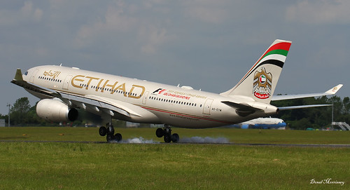 Etihad Airways A330-200 touching ground