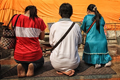 IMG_10517-2 (Sahsiroh) Tags: woman thailand buddhist praying ayutthaya