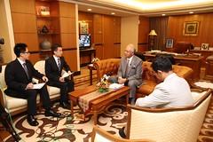 Temubual oleh Wartawan Xin Hua News dan CCTV China