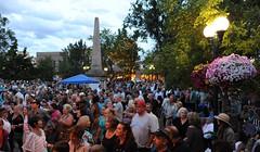 evening of jazz in santa fe (hannu & hannele) Tags: plaza music newmexico santafe festival evening nikon crowd jazz nm d700