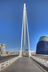 DSC_4005 (Joachim S. Mller) Tags: bridge espaa valencia spain calatrava brcke santiagocalatrava spanien espania ciudaddelasartesydelasciencias ciudaddelasartes stadtderknsteundderwissenschaften stadtderknste pontdelassutdelor puentedelassutdelor elgora lgora assutdelorbridge