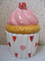 Cupcake Jar (David's) (**Cupcake Boutique**) Tags: pink red love ceramic hearts day candy cupcake jar valentines swirl treat valentinesday davids treatjar davidscookies pinkandredhearts candypinkfrosting