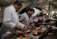 Sheep Head cooking (aminefassi) Tags: street portrait people food cooking shop night lumix strada sheep head candid cook culture meat panasonic morocco chef maroc marrakech souk medina worker marrakesh carne tradition seller mouton moroccan tete viande jamaaelfna fooding jemmaelfna  gx1 microfourthirds 20mmf17 dmcgx1 aminefassi vision:outdoor=0852