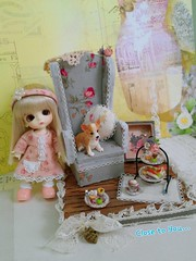 Lati white Belle is having an afternoon tea. (Cilla Mimi Ng) Tags: miniature handmade belle latidoll closetoyou lati latiwhite latibelle flickrandroidapp:filter=none