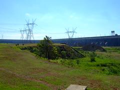 DSCF6000 (JohnSeb) Tags: brazil paraná brasil río river power dam fiume rivière paraguay fluss powerstation iguazu iguazú itaipu 河流 iguaçu rivier johnseb 川 southamerica2012