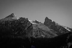 Steinberg und Schärtenspitz (desmokurt1) Tags: nationalparkberchtesgaden berchtesgaden ramsau hintersee hochkalter bayern deutschland kurtessler fuji fujixt1 sw bw mountain berge eis schnee snow ice
