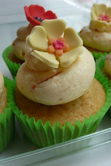 Orange Crush (Sugar Daze) Tags: paris cupcake mandarin fruitdelapassion