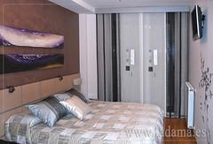 "Panel Japonés y Colcha en Dormitorio moderno • <a style=""font-size:0.8em;"" href=""http://www.flickr.com/photos/67662386@N08/9191894437/"" target=""_blank"">View on Flickr</a>"