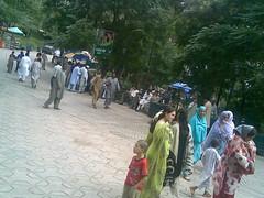 06072008(081) (pakistanichut) Tags: street ass desi pakistani lahore auntys shalwar