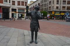 Burgos - Bronze Statue Maybe Traffic Policeman Plaza Vega (Le Monde1) Tags: city statue bronze river spain nikon traffic burgos elcid policeman iberia campeador arlanzn castilelen d7000 plazavega fernngonzalez lemonde1