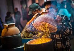 Castanheiro (Fotoshuelva) Tags: street portugal night 35mm fire noche calle fuji f14 iso noite algarve fuego castaas fujinon 1250 castanhas castanheiro asadas assadas xpro1
