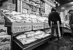 Fish Market BW (rschnaible (Off - Back Soon)) Tags: seattle bw usa white fish black ice shopping photography washington healthy place northwest farmers market sightseeing salmon monotone tourist fresh commercial wa seafood destination iced organic diet pike touring pacitic vision:outdoor=0642