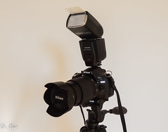 Nikon D5200 with Nikkor DX 18-105mm lens and Yongnuo Speedlite (Ch.Neis) Tags: camera france reflex nikon photographic equipment coolpix nikkor dslr creuse afs limousin dx fotoapparat appareilphoto matriel photographique fotoausrstung 18105mm p510 d5200 photographedcopyrightbychristophneis stpierrecherignat