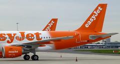 G-EZBI, A.319 at London Southend Airport. (piktaker) Tags: madrid jet airbus essex southend sen easyjet a319 jetairliner a319111 gezbi passengerairliner egmc londonsouthendairport airlivery