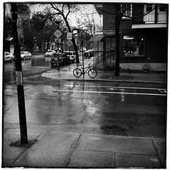 Jour de pluie/Rainy Day (bob august) Tags: bw rain bike blackwhite noiretblanc pluie squareformat bicyclette avril printemps iphone 2014 villeray montreal velo iphone4 iphoneography iphoneographie formatcarre appaltphoto