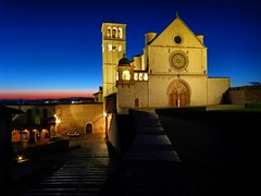 Sunset in Assisi (manuelecant) Tags: sunset church italia basilica bluehour assisi umbria sanfrancesco thebluehour