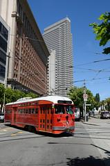 MUNI 1061 in San Francisco, Steuart Street DDC_4478 (foto_DM) Tags: sf sanfrancisco trolley tram muni streetcar sanfranciso strassenbahn fline pcc triebwagen motorwagen sfmta eembarcadero fmarketwharves flinie