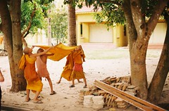 Cambodia (yunju_kim) Tags: nikon cambodia monk filmcamera fm2