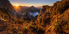 Welcome to the sun (Dylan Toh) Tags: lakeoberon southwestnationalpark wilderness australia hike hiking tasmania trekking westernarthurs