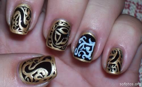 Unhas decoradas com ouro