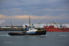 Smit Panther (Peet de Rouw) Tags: holland netherlands port rotterdam tugboat tug rozenburg peet europoort portofrotterdam calandkanaal denachtdienst peetderouw