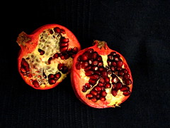 330/365 - 26/11/2013 (oana-emilia) Tags: red stilllife food fruits fruit pomegranate day299 day299365 3652013 365the2013edition 26oct13