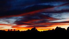 Fuego en el cielo (shiscoco) Tags: sunset naturaleza verde luz mxico mexico atardecer luces rboles pueblo bosque nubes rbol silueta rayo puebla ocaso siluetas nube tarde mgico magico rayos pueblomgico tlatlauqui pueblomagico tlatlauquitepec