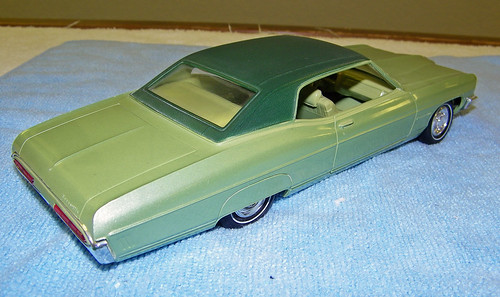 1970 Pontiac Bonneville 2 Door Hardtop Promo Model Car  - Pepper Green Vinyl Top over Palisade Green Poly