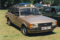 Ford Cortina - HNV 967Y (Andy Reeve-Smith) Tags: ford cortina bedfordshire