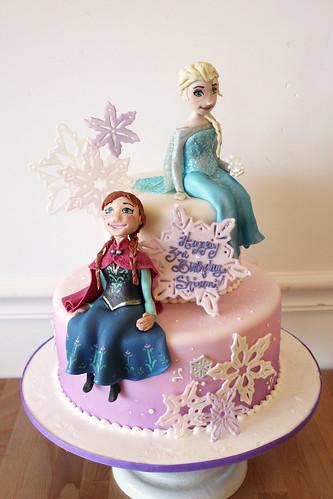 Anna Elsa Frozen Cake