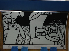 Keith Haring in Paris - metro exhibition at Alma Marceau station by Muriel FRANCIUS - May 2013 (Muriel FRANCIUS) Tags: paris metro drawing alma photographers keith camaras haring marceau