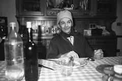 (Matteo Vandelli) Tags: door bw white snow black chairs market olympus grandpa supermarket iso 400 asa xa dux foma fomapan conad