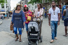 happy familie (105mm) Tags: girls people sexy girl amsterdam happy colorful pretty candid portret mensen