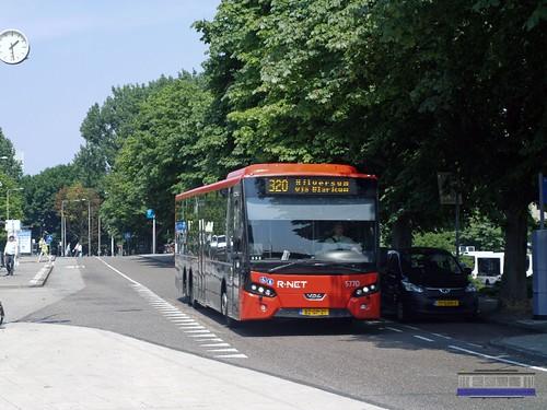 Connexxion 5770, Lijn 320, Amstelstation (2013)