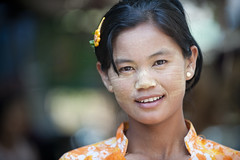 MM006 Myanmarese girl (VesperTokyo) Tags: orange girl child burma myanmar burmese pagan bagan thanaka hairclip orangecolor piercedearrings thanakha nikond3 myanmarese