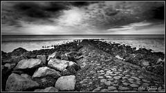 Zurich,het Wad (<<<< peter ijdema >>>>) Tags: b sea sky bw rock stone waddenzee dark blackwhite pentax zurich zee lucht wad tamron k5 steen waddensea tamron1755f28 tamronspaf1750mmf28xrdiiildif pentaxk5