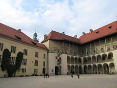 Wawel Royal Castle inner courtyard, Krakow (Stewie1980) Tags: castle canon royal poland polska krakow wawel courtyard powershot na polen kraków cracow krakau zamek zamkowy królewski dziedziniec sx130 wawelu sx130is canonpowershotsx130is arkadowy