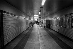 2013.12.21 Shin-yokohama (nobring) Tags: street leica blackandwhite bw film monochrome blackwhite trix streetphotography 400tx summilux m4 shinyokohama     bwfp 7n4vju