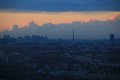 Paris (pixiprol) Tags: sunset cloud paris france tower skyline skyscraper soleil europa europe tour coucher eiffel ciel nuage montparnasse francia defense orly parigi gratte defencia